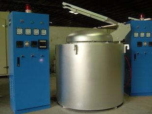 华纵坩埚式熔铜保温炉