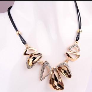 韩国饰品 女短款锁骨链夸张复古时尚黑色夜店宝石锁骨项链 毛衣链