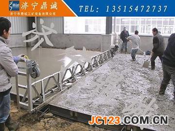 浙江宁波桥面铺装振动梁6米汽油机框架式振动梁