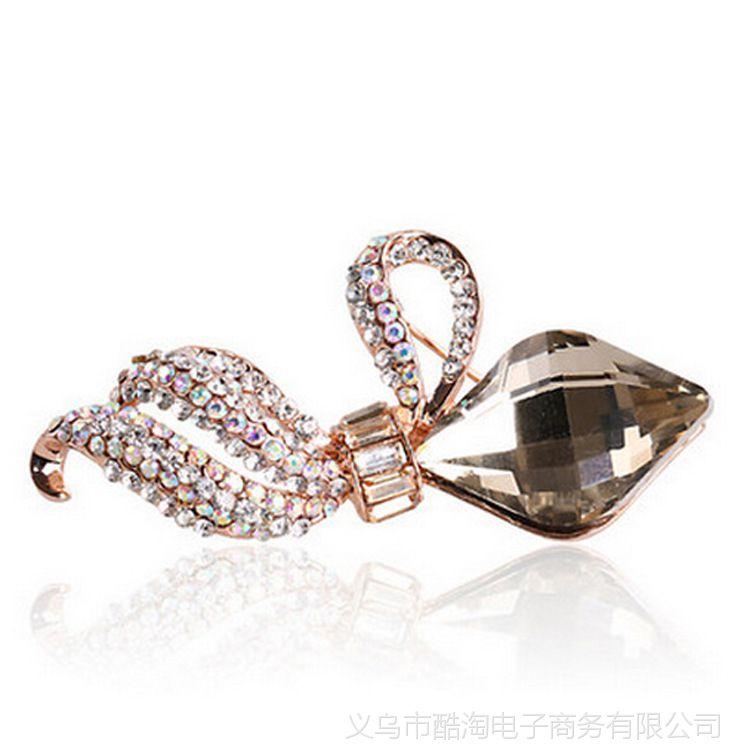 2014新款日常百搭精美水晶花蕊胸针饰品淘宝饰品镶钻饰品