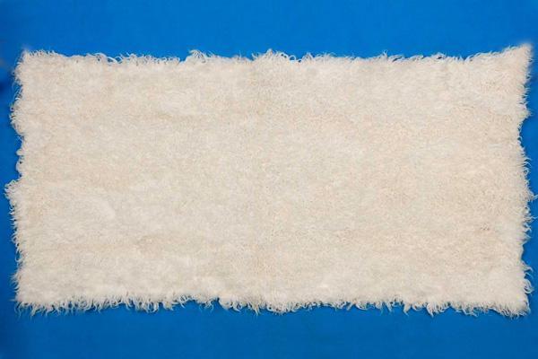 供应羊皮褥子獭兔褥子口羔湖羊猾自獭兔各种羊羔皮褥子及獭兔