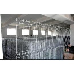 供应护栏铁艺护栏、铁路护栏网、桥梁护栏网、高速公路护栏网