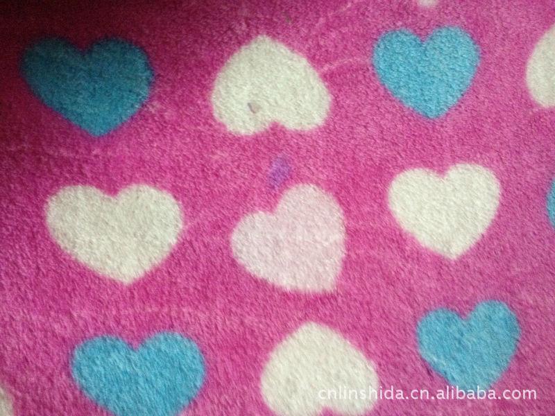 珊瑚绒全涤毛毯印花爱心