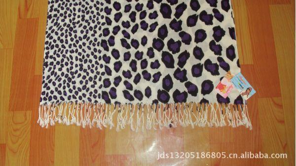 供应厂家直销保暖加长晴纶印花围巾