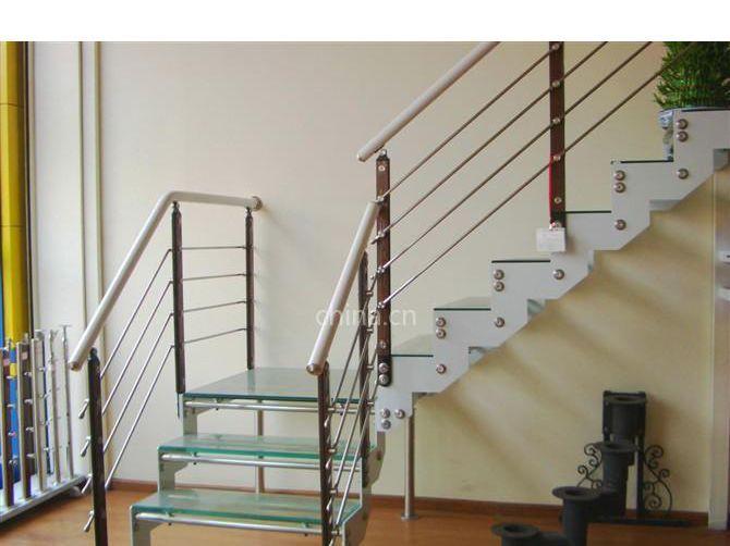 供应双梁楼梯