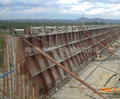 供应郑州防撞墙护栏模板出租,河南桥梁防撞墙护栏模板租赁