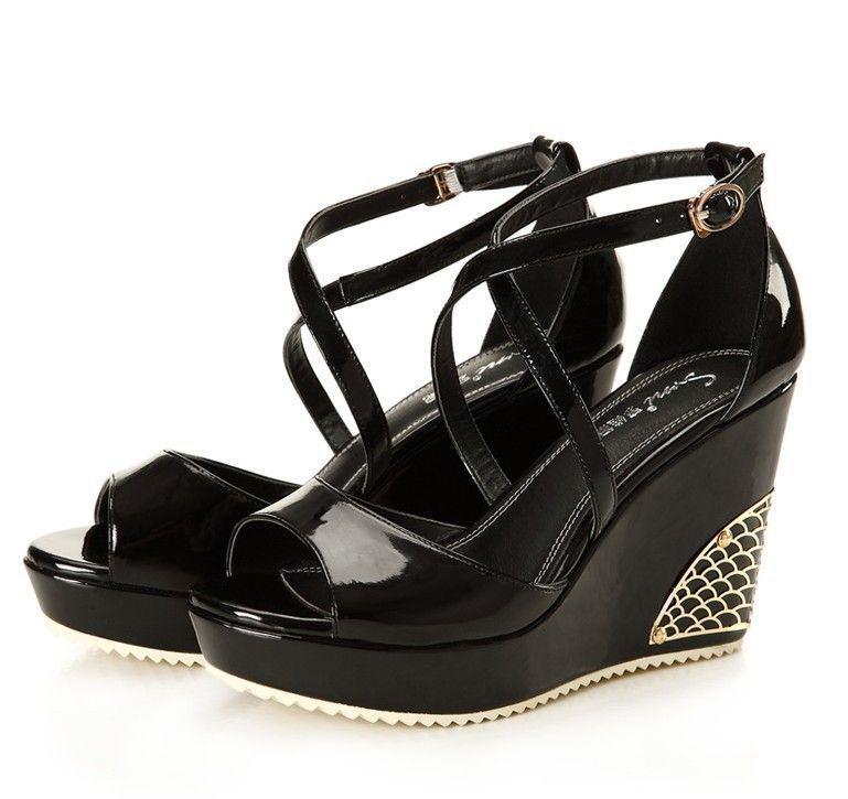 供应坡跟凉鞋优雅舒适厚底女鞋子
