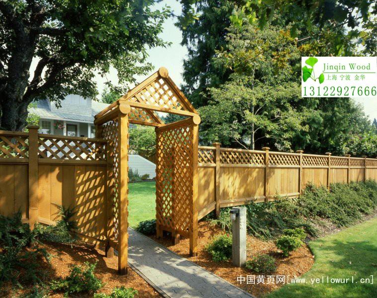 吉余防腐木栏杆栅栏生产厂家、木护栏;亲水平台木栈道安装
