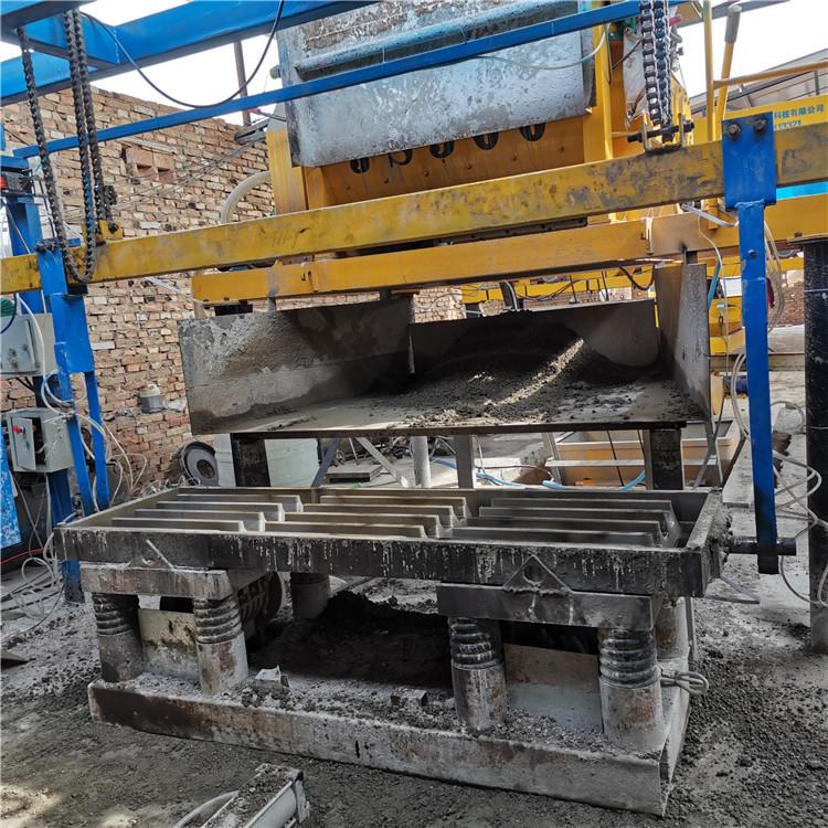 猪漏粪板生产线漏粪板生产线价格水泥漏粪板自动生产设备厂家