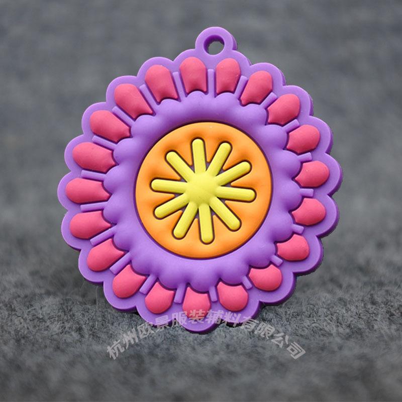 厂家定制硅胶辅料服装软胶标胶唛3D立体硅胶挂牌环保胶章定做